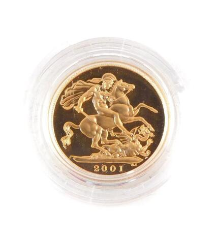 A Queen Elizabeth II gold full sovereign 2001, cased and boxed, 8.0g.