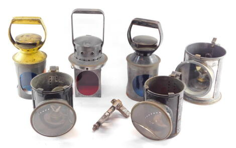 Various railway lamp parts, including two BR lamp housings, etc. (a quantity)