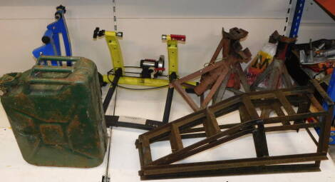 Assorted car and bicycle collectables, including a 1955 jerry can, pair of wheel ramps, a Clarke Quick Release bike trainer, car jacks, etc. (a quantity)