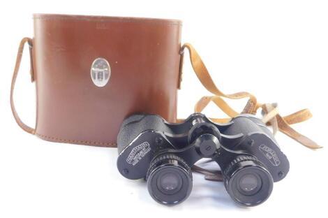A pair of Hartmann of Wetzlar 117 8x40 binoculars, cased.