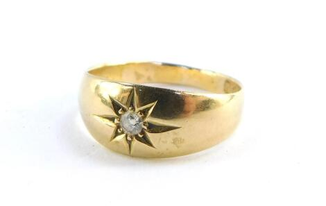 An Edwardian 18ct gold and diamond solitaire ring, size O, 3.6g.