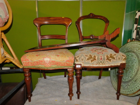 Two Victorian mahogany dining chairs, together with a cake stand. (3)