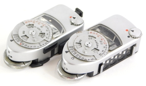 Two Leica-meters, MC and MR. (2)
