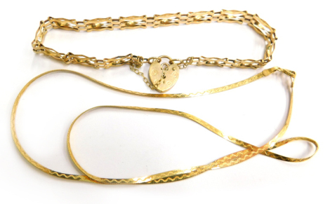 Various 9ct gold and other jewellery, to include a 9ct gold gate bracelet, with heart shaped padlock and safety chain on a three bar design, 14cm long overall, 3.6g, together with a 9ct gold chain 1.5g, 38cm long. (2)