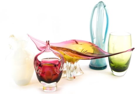 A Czech Bohemian glass pink and amber tinted centrepiece, 53cm wide, and other art glass.