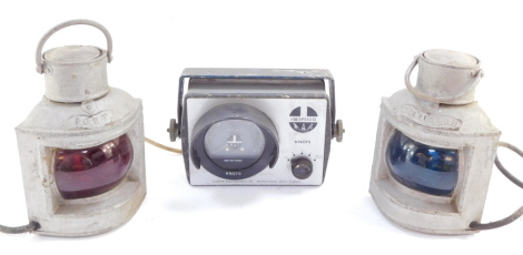 A pair of Port & Starboard electrical navigation lamps, together with a Marine Electronics Ltd Seaspeed II knots counter. (3)