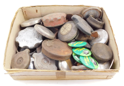 Vintage and other petrol caps, including VW, Sakta Oppnas and Land Rover badges. (a quantity)