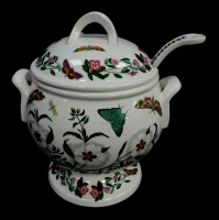 A Portmeirion pottery soup tureen cover and ladle, decorated in the Botanic Garden pattern, printed marks.