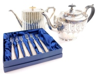 Plated wares, comprising two Victorian teapots and six shell pattern fruit forks.