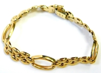 A 9ct gold fancy link bracelet, with pebble type three layer design, and three hoop detailing, 20cm long, 13.4g.