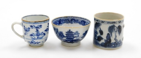 A group of Chinese blue and white cups, to include a Chinese blue and white tea bowl 8cm wide, a coffee can lacking handle, 6cm diameter, and a teacup with floral decoration, 18thC. (3)