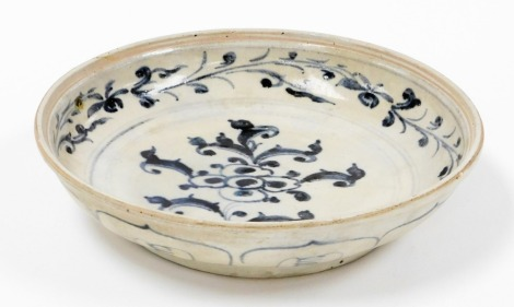A Hoi An Hoard Vietnamese porcelain petal dish, with certificate of authenticity and label numbered 149915, 16thC, 24cm diameter.