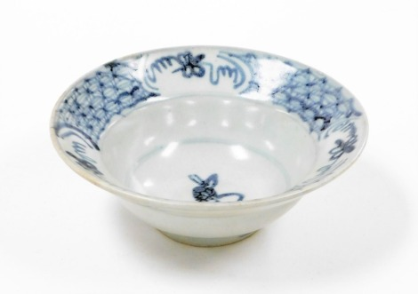 A treasure of Tek Sing Chinese porcelain rabbit design bowl, with Nagel auctions Tek Sing Treasures label, and certificate of authenticity numbered 94169, early 19thC, 6cm high, 16.5cm wide.