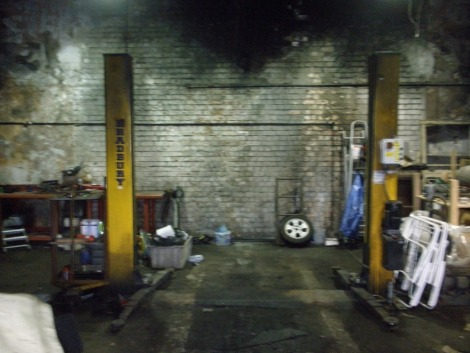 A Bradbury two pillar vehicle lift. It was in working order when lotted.