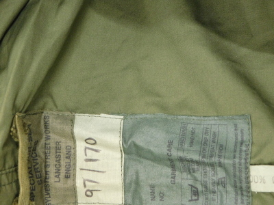 A special Air-Services green jacket, two SAS berets, sizes 6 and 5/8 and 6 and 7/8, labels for 1944 and 1945. (3) - 2
