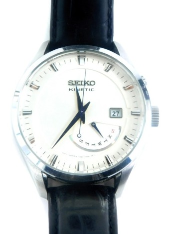 A Seiko Kinetic gentlemans wristwatch, in stainless steel case, numbered 5M84-0AB0, with cream coloured dial, blue hands, date aperture and day aperture, boxed.