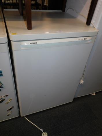 A Siemens under counter freezer, model GS125420GB101