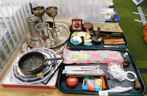Plated wares and trinkets, button hooks, compacts, Boli travel clock, silver plated tankard, serving trays, placemats, etc. (2 trays and a quantity)