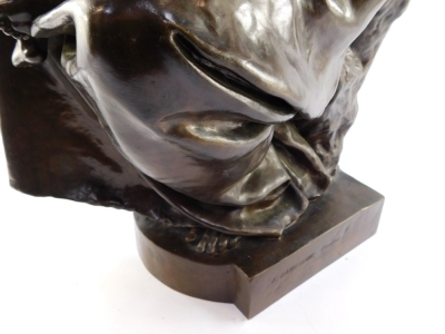 Paul Dubois (French, 1829-1905). A Barbedienne foundry bronze sculpture of Maternite, signed to reverse P Dubois, 80cm high. - 4