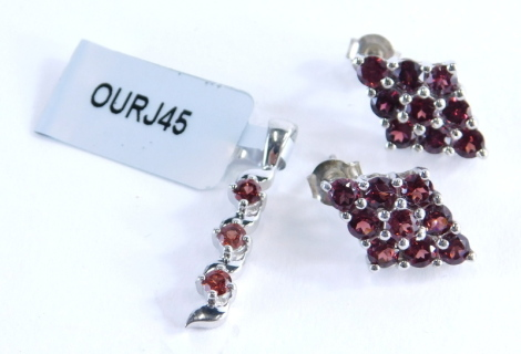 A Gemporia garnet jewellery set, comprising a Nampula garnet and silver pendant, and a set of Rajasthan garnet earrings, each with certificate, 6.5g all in.